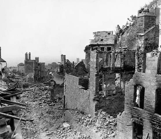 Destroyed buildings ww2 the image kid for Cities destroyed in ww2